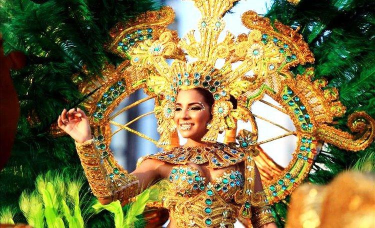 carnaval_de_panama_reina.jpg_t750x550